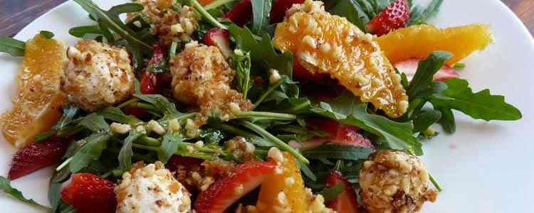 Salat mit ziegenkäse bällchen fruchtig frischer salat mit orangen