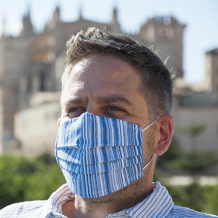 Handgenähter Mund- und Nasenschutz, meerblau