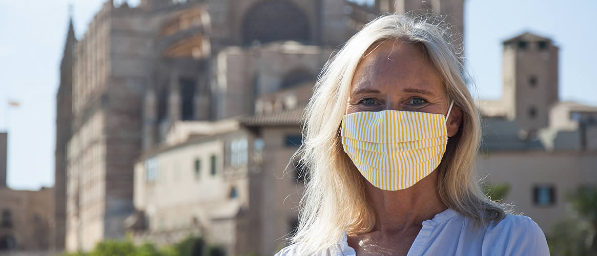 Handgenähter Mund- und Nasenschutz, sommergelb
