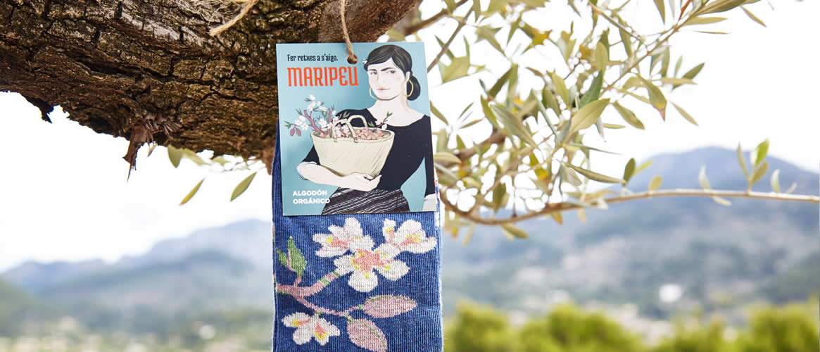 Maripeu Mallorca Baumwollsocken Mandelblütenmotiv
