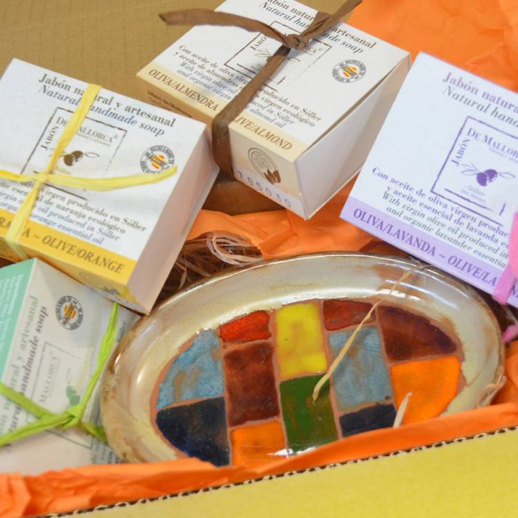 """A touch of Mallorca"" olive oil soap gift box"