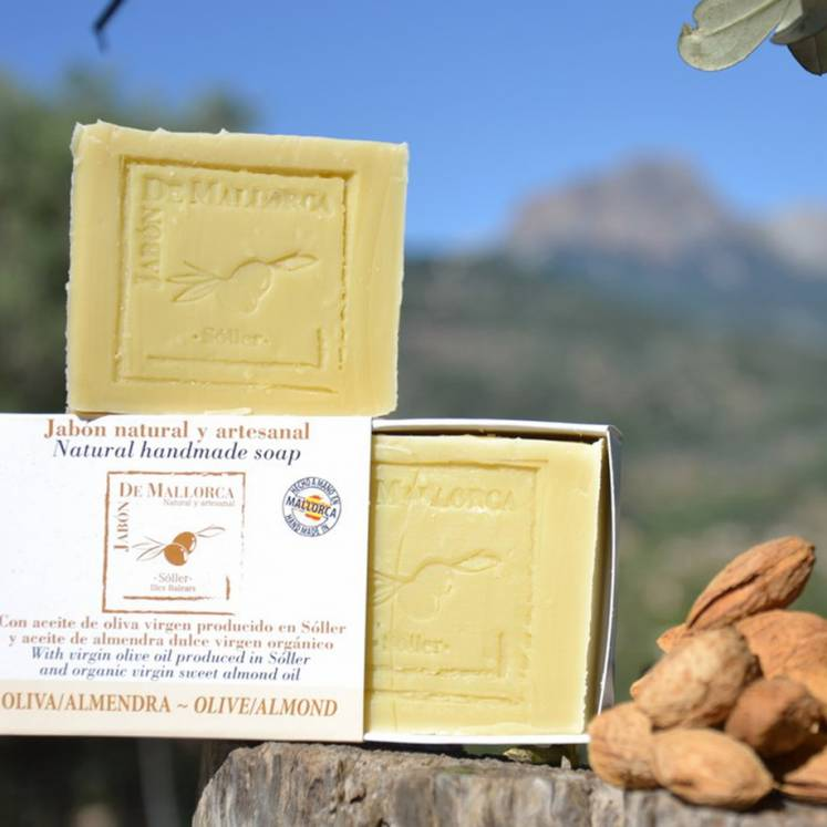 Jabón de Mallorca olive oil soap with almond