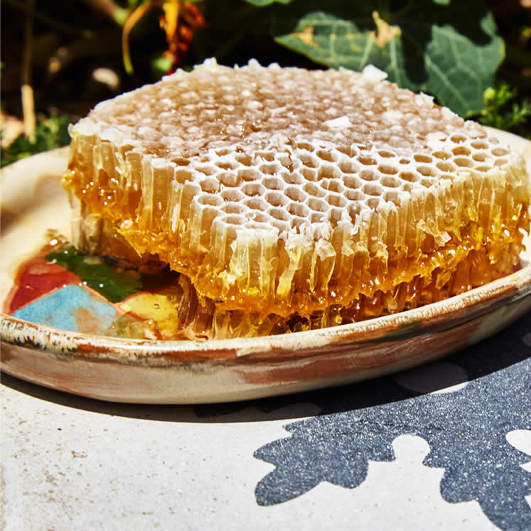 Ferrerico honeycomb - natural product