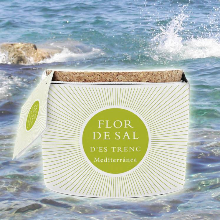 Flor de Sal organic sea salt on a ceramic jar with a little spoon 100g