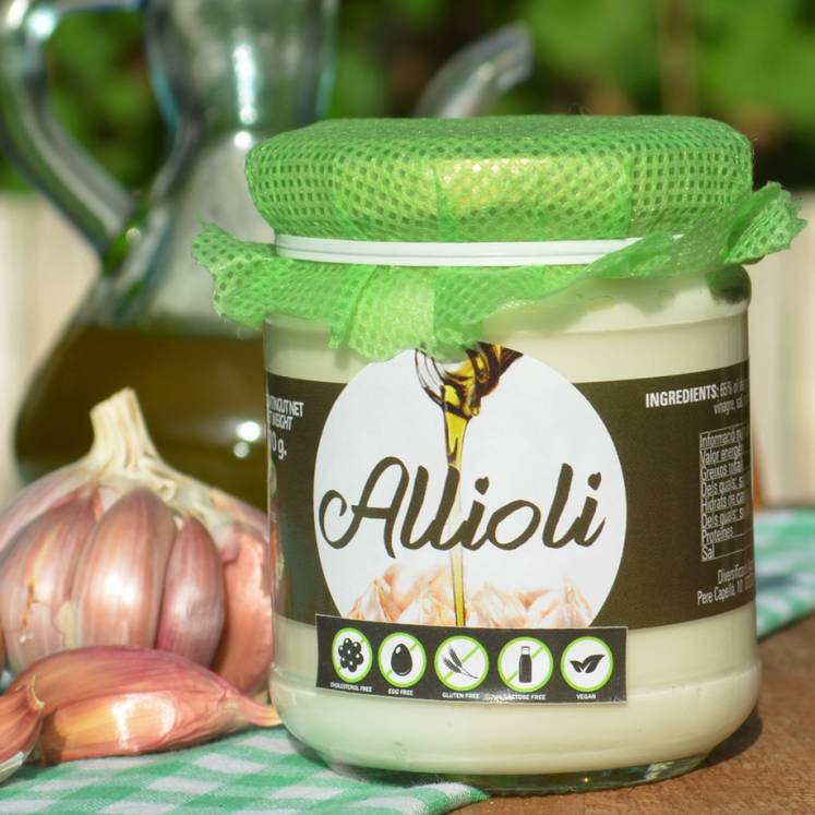 Allioli, garlic cream