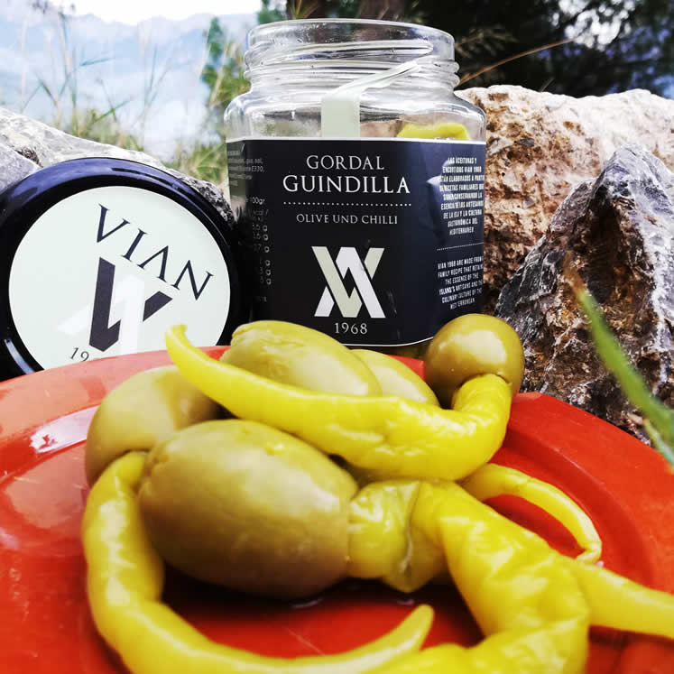 Vian - Gordal olives with chili pepper