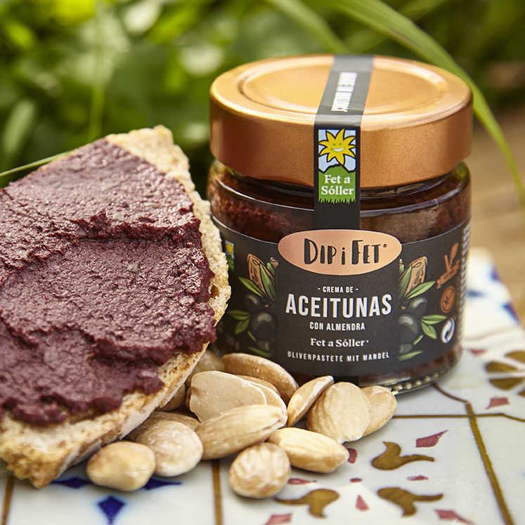 Dip i Fet vegan black olive cream with almond