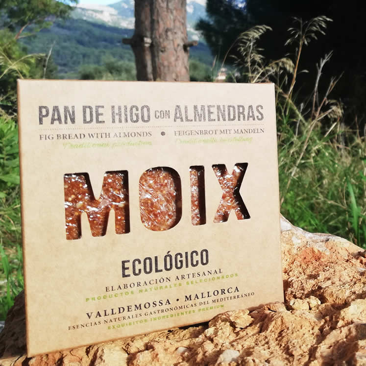 Moix Organic fig bread with almonds