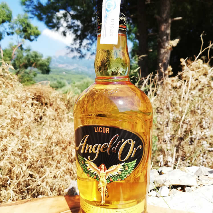 Angel d\\'Or - Liqueur d\\'Orange. 0.70 L