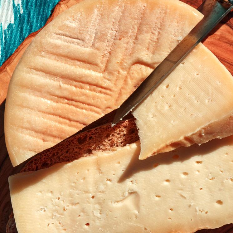 Binibeca Schafskäse halbreif schnittfest