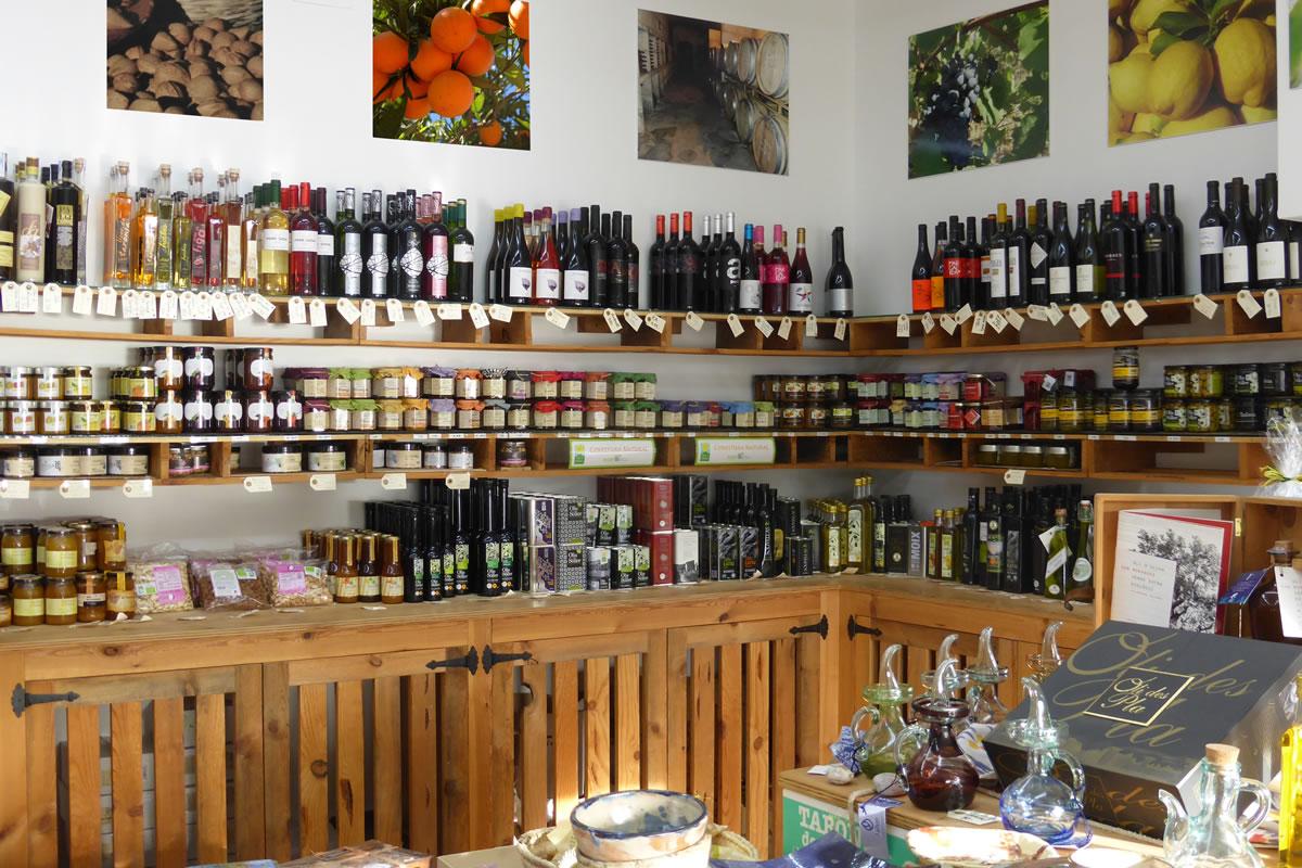 Una de nuestras tiendas - in Port de Sóller
