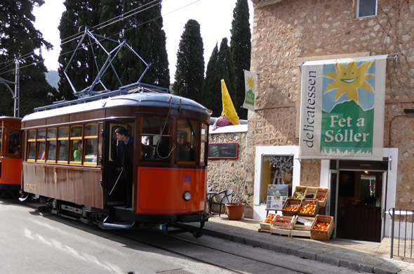 Next to the rails of the tram, next to Sa Fábrica de Gelats